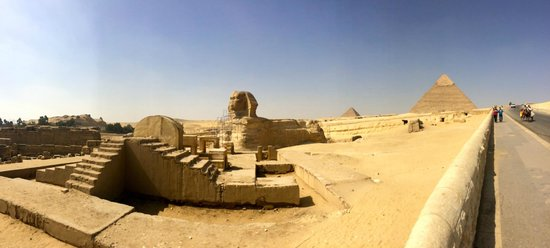 Emad Abu Hadeda - Private Day Tours : Sphynx & Giza Pyrmids