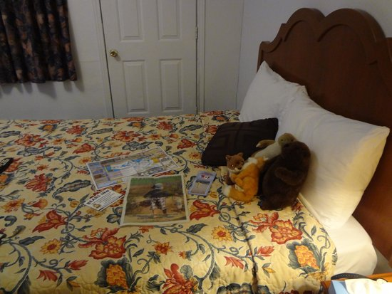 Relax Inn Collingwood: photo of bed