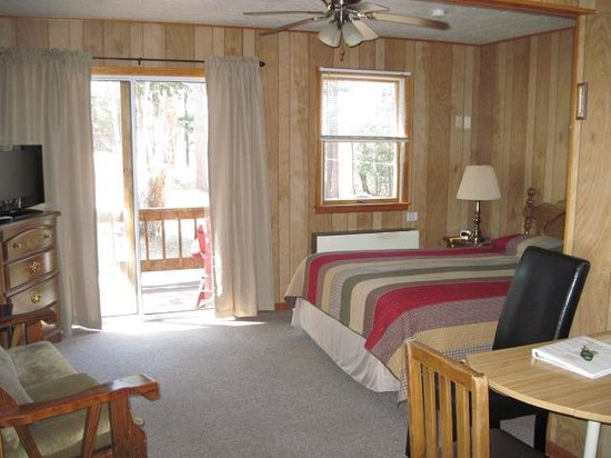 Shamrock Motel & Cottages: One of the efficiencies