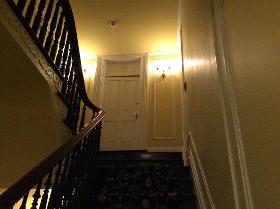 Waterfront Historic Kent Manor Inn : Beautiful