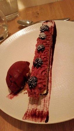 L'instinct Gourmand: Ganache chocolat biscuit chocolat blanc mousse de mûres
