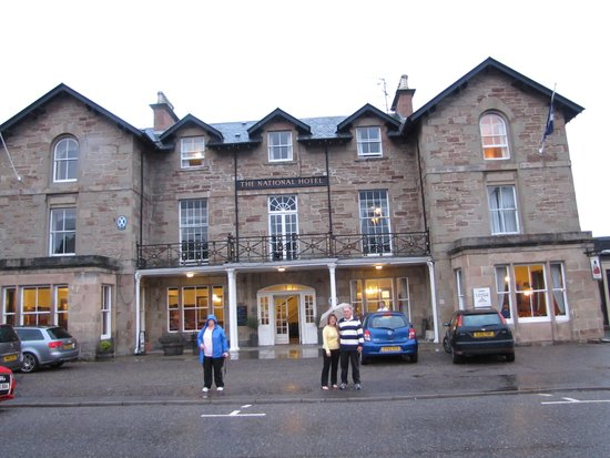 National Hotel Dingwall: In Front of Hotel