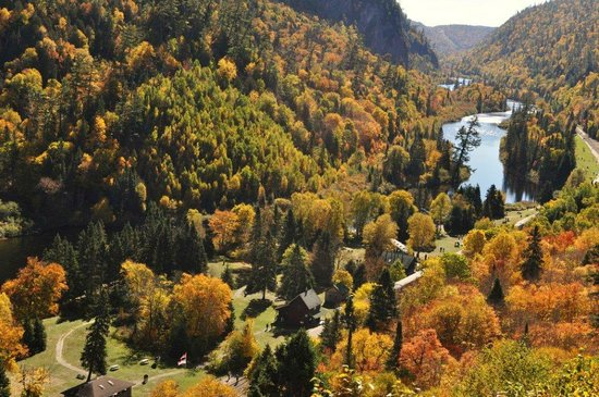 Frontline Tours: Agawa Canyon from the top of the 300 stairs