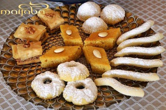 Marjaba Cafe: arabic sweets - dulces arabes