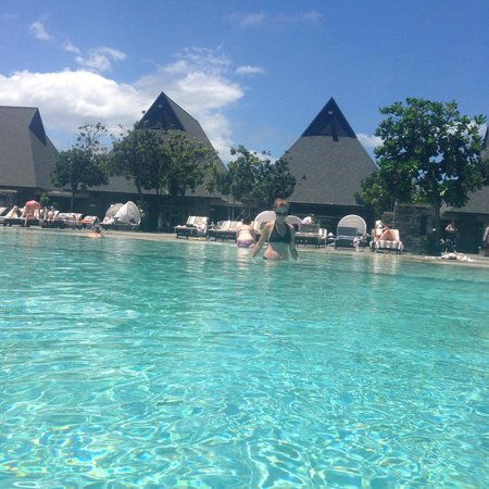 adults only pool picture of intercontinental fiji golf. Black Bedroom Furniture Sets. Home Design Ideas