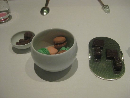 Alain Ducasse at The Dorchester: The free treats that come with dessert