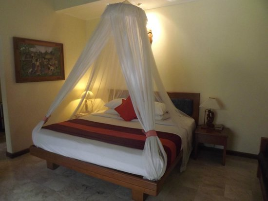 Parigata Villas Resort : King Size Bed