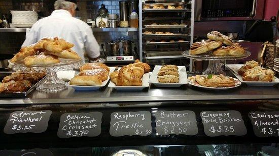 Prestige Harbourfront Resort: Cafe Tasse