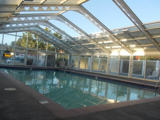 Brookings, OR: Indoor heated pool