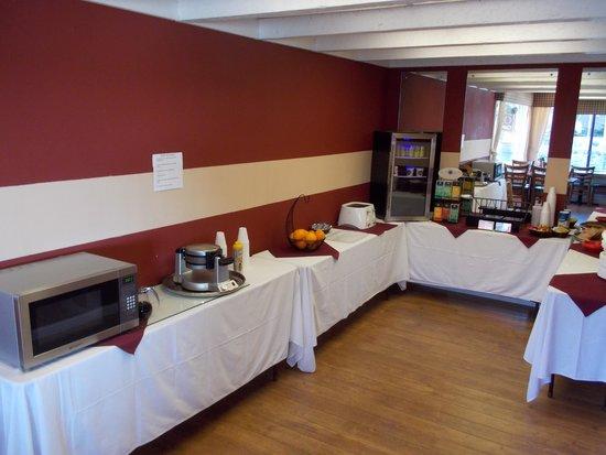 Brookings Inn: Continental Breakfast
