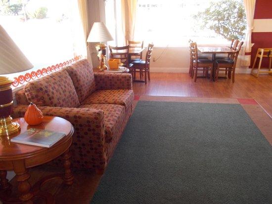 Brookings Inn: Lobby