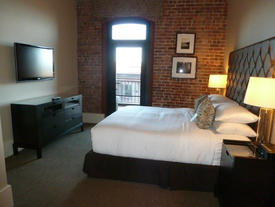 Fairmont Heritage Place, Ghirardelli Square : Bedroom in the 2 room suite