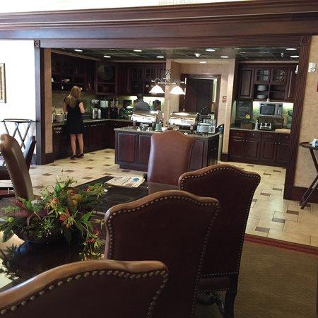 Homewood Suites Wichita Falls: Breakfast
