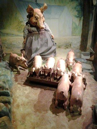 Боунес-он-Уиндермир, UK: Cute little piglets