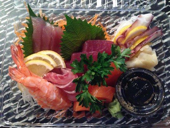 Niji Sushi Bar Et Restaurant: Chef's sashimi