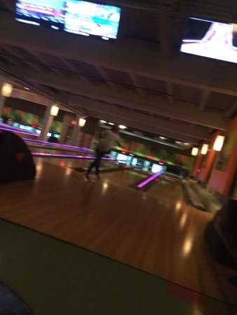 North Bowl Lounge n Lanes