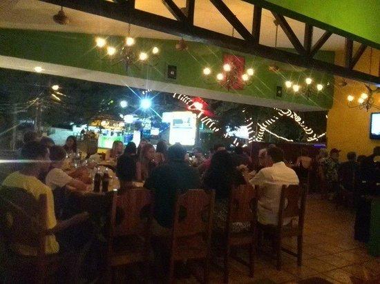 Restaurante Las Olas : Buen Ambiente, Exquisitas Comidas.