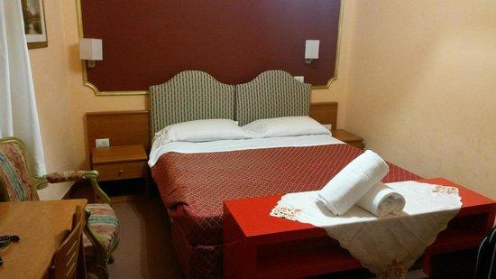 Hotel Toscana : Quarto