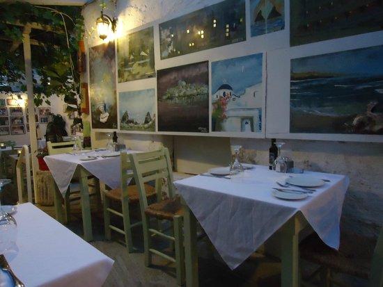 Apollon Garden: Restaurant interior