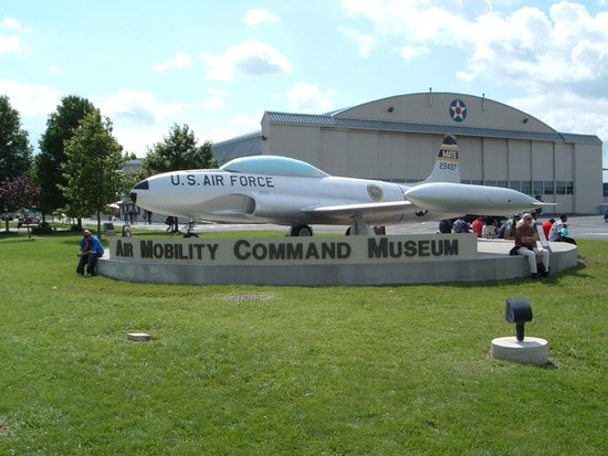 Air Mobility Command Museum: Display in front of the museum