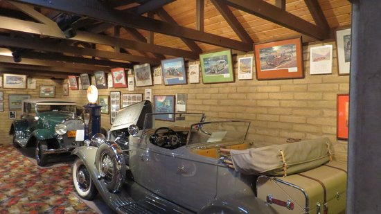 """Franklin Museum: Two more Franklins in the """"fancy"""" garage. With three garages, uyou need to remember where each i"""