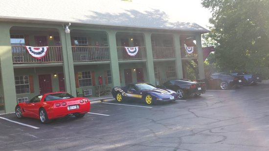 The Lodge: Front of Lodge with Corvettes!