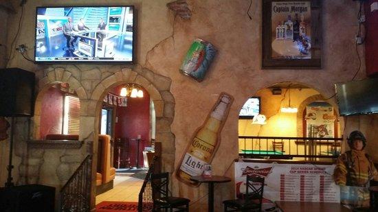 Litl Bit Bar and Grill