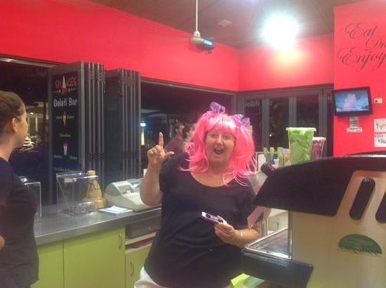 Shakes Gelati bar: raising money 4 cancer