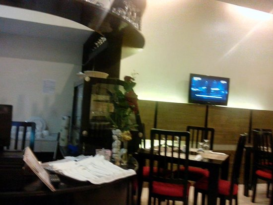 Arabelle Suites: Restaurant