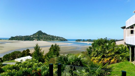 Sunlover Retreat: Mt Paku