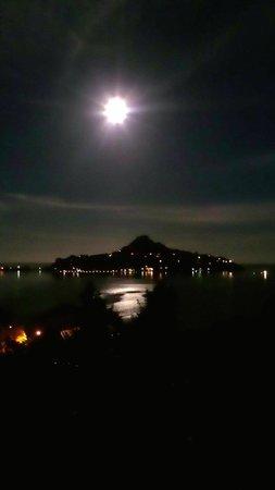Sunlover Retreat: Moon!!