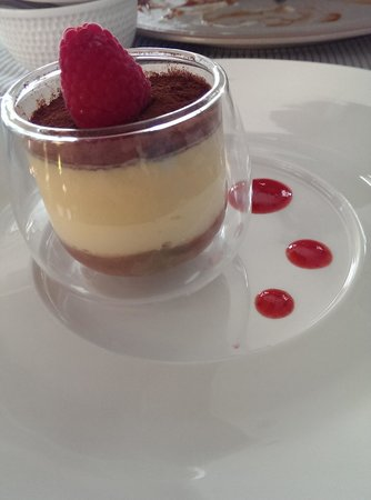 DEYA DELI: great dessert, white choc mousse with rhubarb