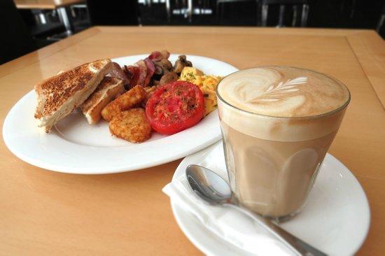 Parramatta Waldorf Apartment Hotel: Full Buffet Breakfast Daily