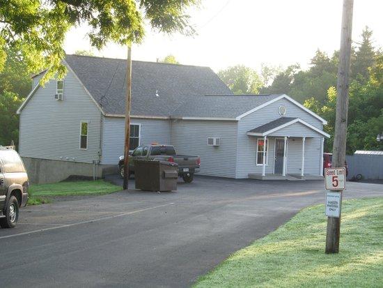 Coachway Motel: Office