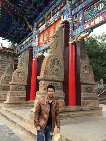 Yuantong Temple: วัดในคุนหมิง