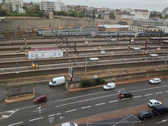 Ibis Dijon Gare: vue chambre