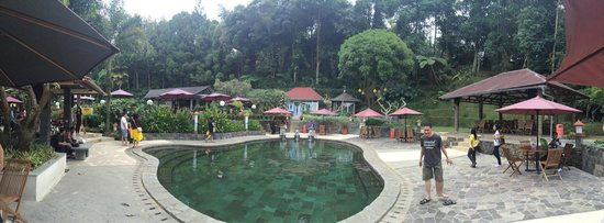 Gracia Spa and Resort: Hot spring pool