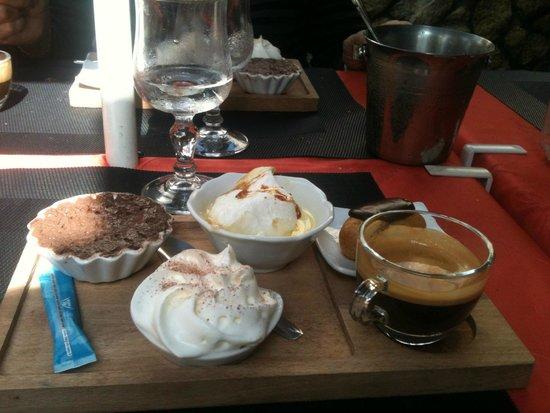 L'Elysee Carnot: Un délicieux café gourmand maison