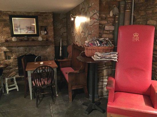 Kemerton, UK: The bar