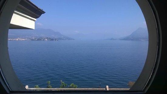 Grand Hotel Des Iles Borromees: vista lago da camera