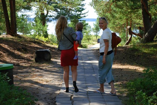 Laulasmaa Spa And Conference Hotel: 100m from hotel to beach
