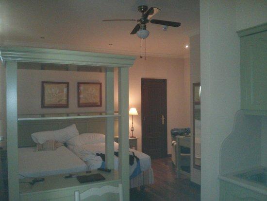 Laguna Nivaria Hotel & Spa: UN Habitaciín amplia