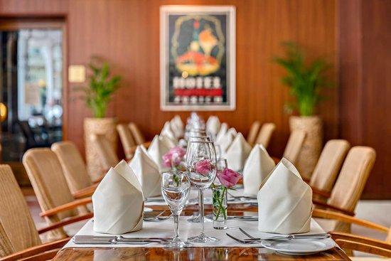 Hotel St. Gotthard: Restaurant Lobbybar