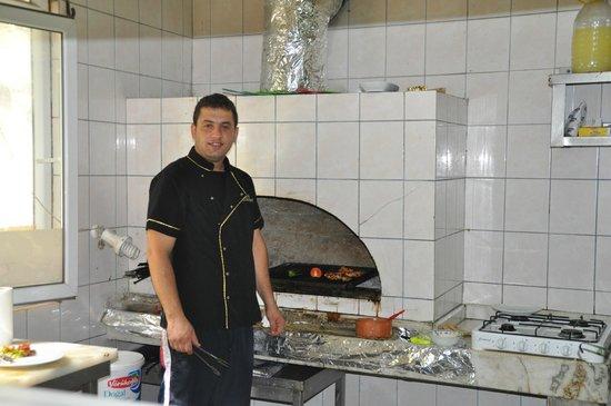 """Manavgat Buyuk Selale Restaurant: Der """"Zauberer"""" vom Saklibahce"""