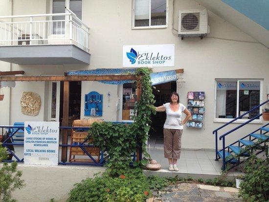Eklektos Bookshop: Lovely Lynne outside Eklektos