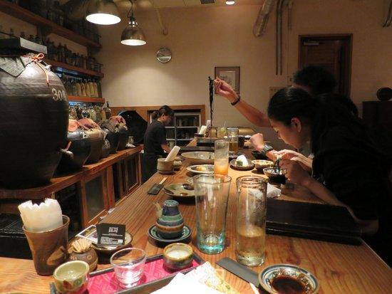 Yomitan Monogatari: At the bar counter