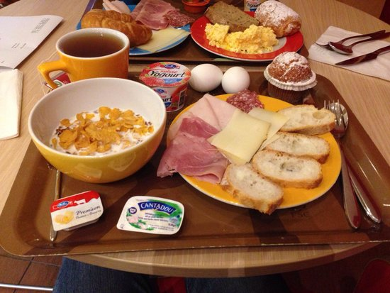ibis budget Lugano Paradiso: Breakfast