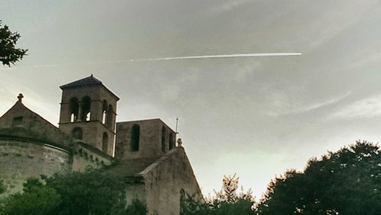 "Hotel Mon Sant Benet: Monestir de Sant Benet desde ""la Fábrica"""