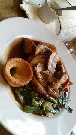 The Clarendon Arms : Sunday roast,pork..yummy