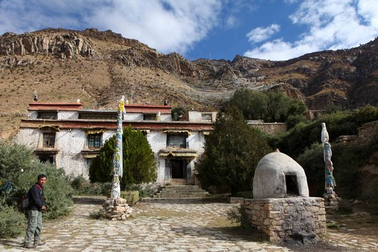 Pabangka Monastery : Another monastry, located further up the hill